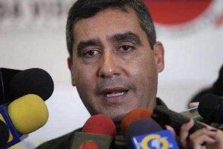 El ministro del Interior de Venezuela da su móvil a policías novatos para que denuncien la corrupción