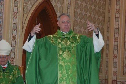 Hallan muerto a un cura católico en su iglesia en California