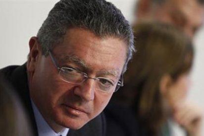Rajoy pide a Gallardón que escuche a los 'barones' para mejorar la reforma del aborto
