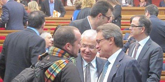 El PSC arrincona a los tres díscolos en el Parlamento catalán