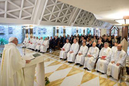 """El Papa anima a """"distinguir lo que viene de Dios y lo que viene de los falsos profetas"""""""