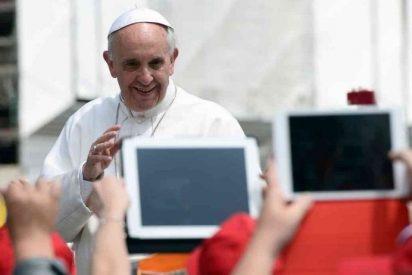 """Francisco bendice el """"mundo digital"""" aunque advierte del riesgo de """"exclusión"""" y """"manipulación"""""""