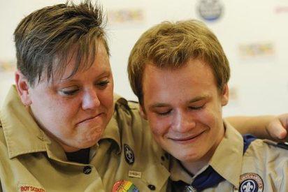 Los gays ya pueden meterse a Boy Scouts sin riesgo de que los corran a palos