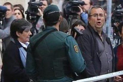 Las consecuencias de las prisas de Interior: un senador de Bildu 'huye' para que no registren su despacho