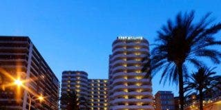 Muere al huir de la Policía y caer desde el 11º piso de un hotel del Paseo Marítimo