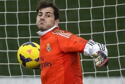 Casillas presenta a su hijo