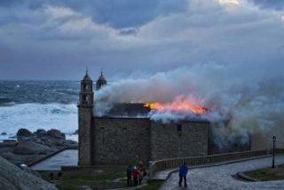 Archidiócesis de Santiago costeará reparación del santuario de Muxía