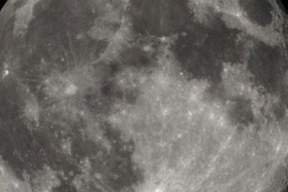 La NASA quiere ayuda privada para volver a aterrizar en la Luna