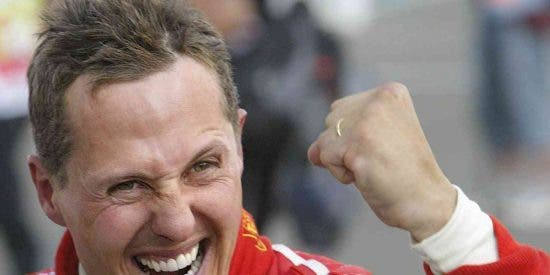 Michael Schumacher no iba rápido, pero tropezó con una piedra y se rompió el casco