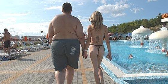 Tres millones de españoles han 'corneado' a sus parejas en sus viajes en solitario