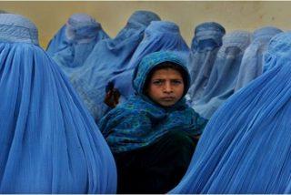 Una niña afgana talibán que iba a ejecutar un atentado suicida se entrega a la Policía