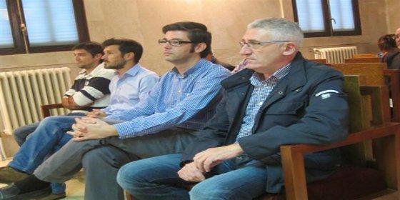 A los 12 acusados por el saqueo de Turisme Jove les 'meten en el saco' y les condenan a penas de hasta 3 años y 7 meses