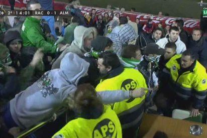 Los hinchas del Racing de Santander asaltan el palco y sacuden a los directivos