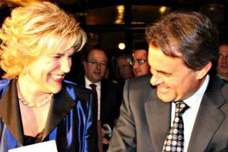 A Pilar Rahola le escandalizan los gin-tonic subvencionados en el Congreso pero no la corrupción de CiU