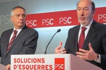 El País oculta la escisión de los socialistas catalanes