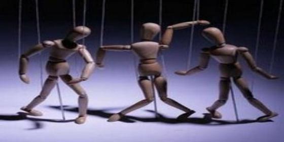 "Rafael López Charques: ""Baile de marionetas"""