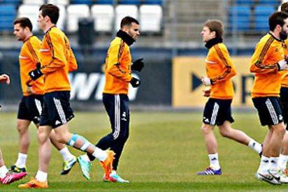 Y 17 días después de su golpe en el gemelo, Gareth Bale se entrenó con todo el Real Madrid