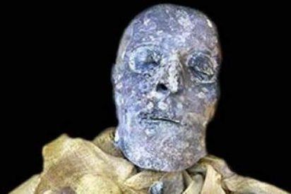 Aparece una momia de mujer con el nombre de 'Werti', y que de enana no tiene nada