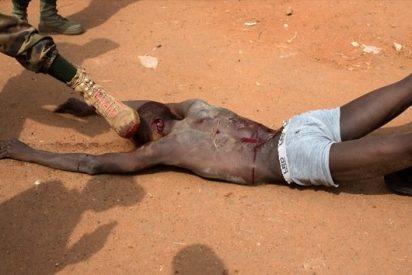 Atroz linchamiento a patadas de un pies a manos de soldados de la República Centroafricana