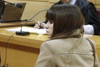 Un año de cárcel para Alba González, la 'tuitera' que insta a pegarle un tiro en la nuca a Rajoy