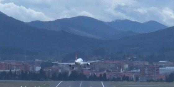 El avión del Caja Laboral roza la tragedia en Bilbao
