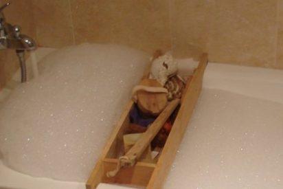 Bañarse a diario puede ser perjudicial para la piel acabando con la capa córnea