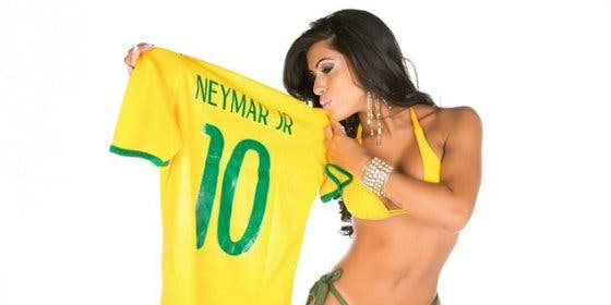 La chica con el mejor culo del mundo, toda una fan de Neymar