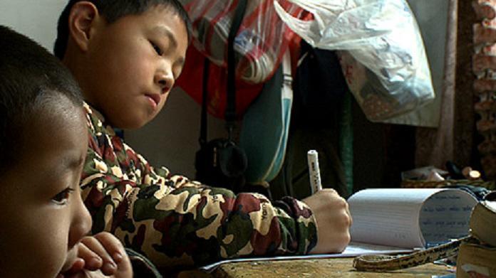 El drama de vivir sin identidad en la China: 20 millones de hijos únicos que 'violaron' la ley