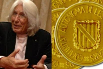 Bauzá distingue al empresario Miquel Fluxá con la Medalla de Oro de la Comunidad