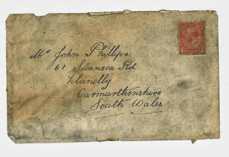 Un triste marinero 'envía' una carta a sus padres y la recibe su nieta un siglo después