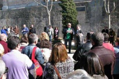 Homenaje en el Muro de la Memoria del Cementerio de Palma a Emili Darder