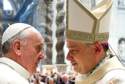 El Limosnero del Papa celebra una misa por las personas sin hogar