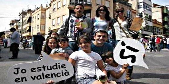 Una familia reclama al ministro Wert 17.000 euros por el coste de educar en valenciano a su hija