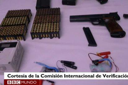 Los asesinos de ETA montan con sus verificadores un 'teatrillo' sobre la inutilización de una muestra de su arsenal