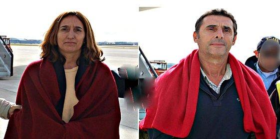 Aterrizan esposados en España 'María' y 'Pajas', los dos asesinos etarras atrapados en México