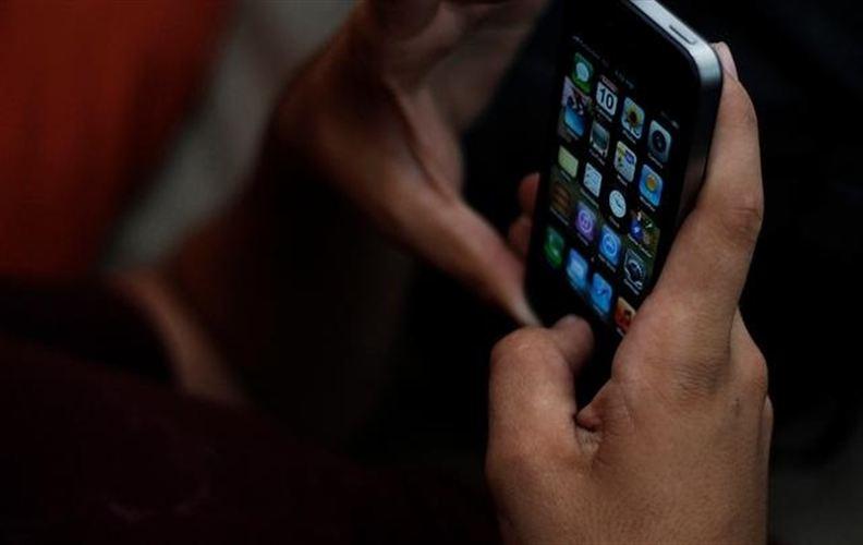 Si se denuncia el falso robo del móvil le pueden dejar a uno 'incomunicado' entre rejas un año