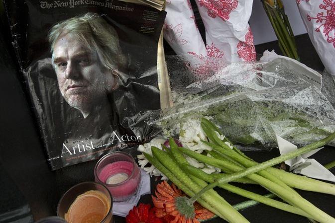 El tipo que encontró muerto al actor Seymour Hoffman dice ahora que es su novio