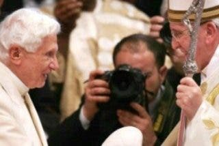 Dos Papas, por primera vez juntos en San Pedro