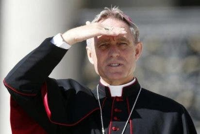 """Gaenswein: """"Ratzinger no está celoso de la popularidad de Francisco"""""""