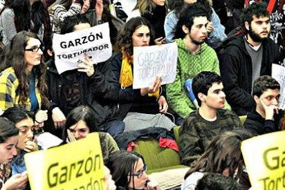 """Nacionalistas gallegos filoetarras revientan un acto de Garzón al grito de """"fascista torturador"""""""