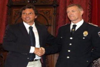 Cort no ha suspendido de empleo y sueldo al jefe de la Policía Local ¡porque está de baja!