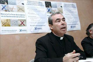 La familia de la niña transexual de Málaga se querella contra el obispo