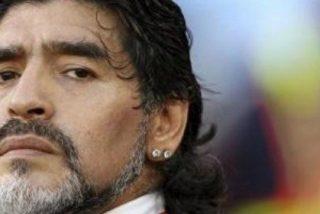 Maradona homenajea a Aragonés