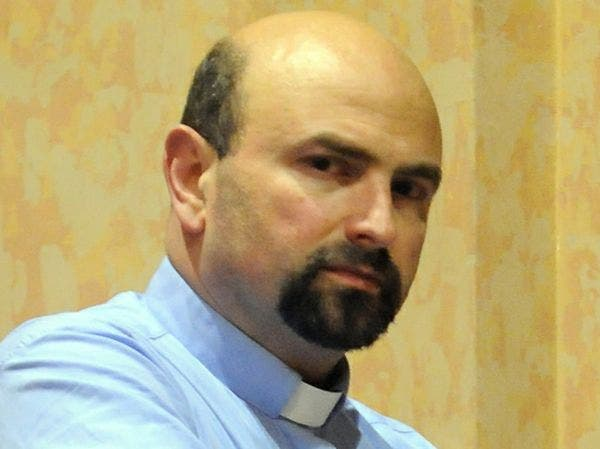 El Papa expulsa a un sacerdote pederasta italiano