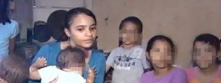 [Vídeo] Le promete un trabajo y la secuestra durante 12 años dejándole embarazada...¡ocho veces!