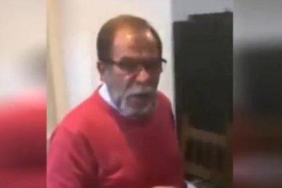 [Vídeo] ¿Quiere ver cómo un alcalde malagueño fuma y ladra en los plenos?
