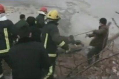 [Vídeo] Seis niños de una misma familia mueren tragados por el hielo mientras patinan
