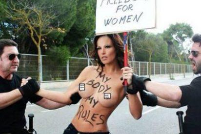 Una ex de Ronaldo enseña los pechos para protestar contra el aborto