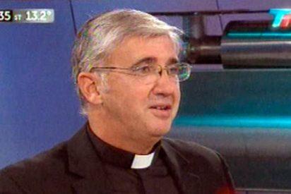 Francisco felicita por teléfono al Padre Marcó
