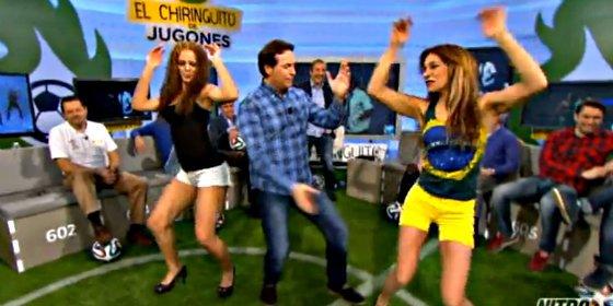 Pipi Estrada, con dos macizas brasileñas, nos enseña en 'El Chiringuito' como se baila el 'Lepo, lepo' de Neymar y Alves